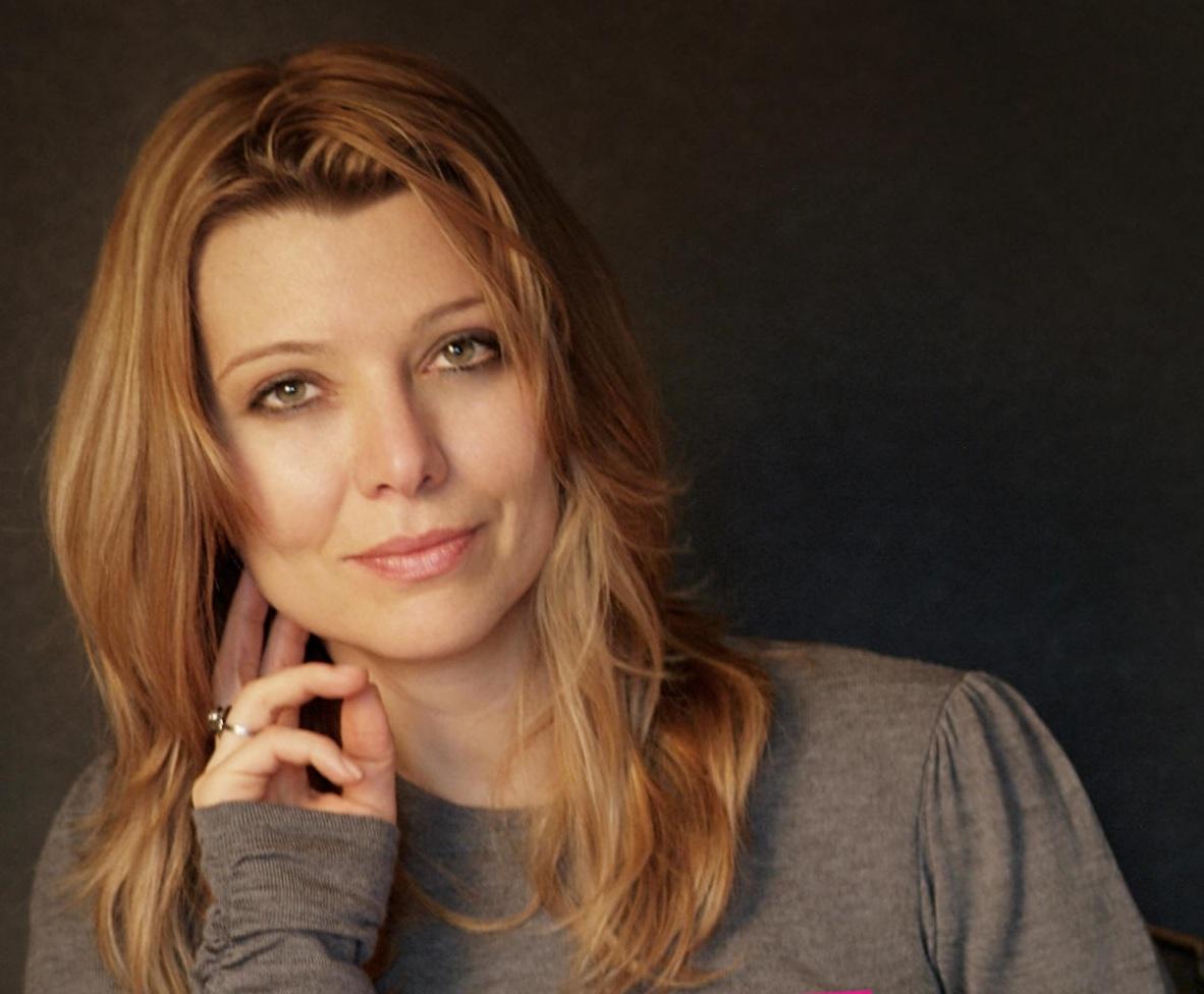 Den tyrkiske forfatter Elif Shafak er blandt initiativtagerne.
