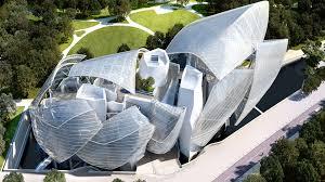 Som et gigantisk isbjerg ligger FRank Gehrys bygning i Boulogneskoven.