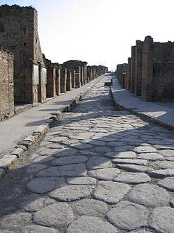 Der er nok at tage af på en almindelig gade i Pompeji. Men husk at returnere!