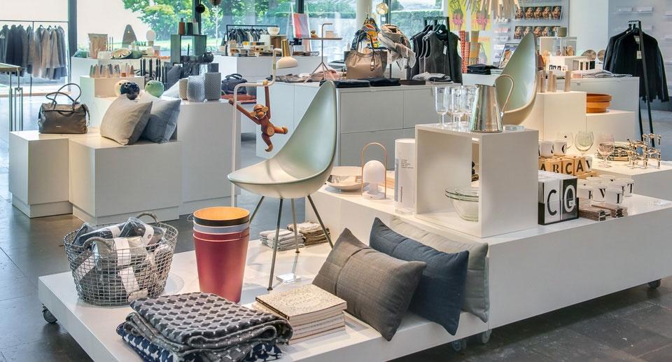 Hele 40 procent i butikken er genstande som ikke vedrører udstillinger på Louisiana.