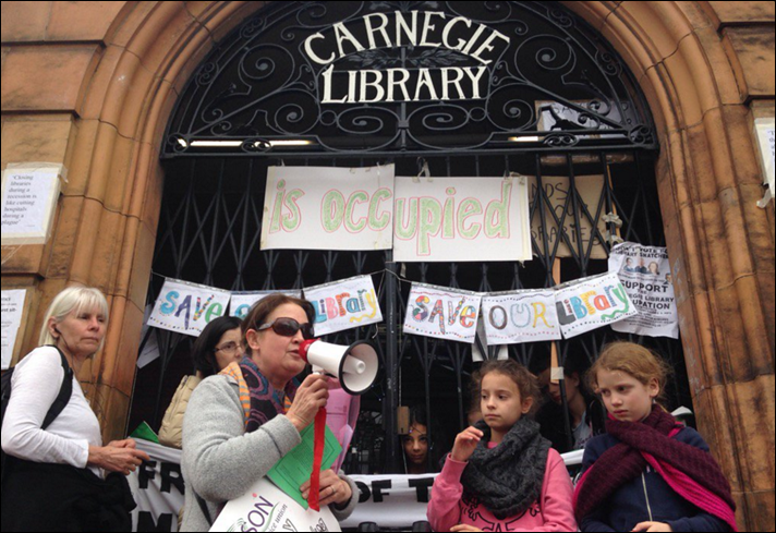 Carnegie Library i Lambeth blev i april besat af lokale brugere for at forhindre lukningen pr. 31. marts.