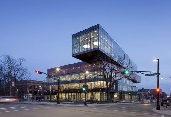 De fleste kender Dokk1, så her er biblioteket i Halifax, også tegnet af Schmidt Hammer Lassen.